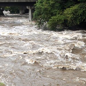 「水害対策」関連が急上昇、西日本の広域豪雨で復興需要<注目テーマ>