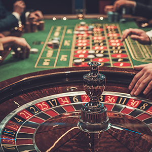 「カジノ関連」が上位ランクインを継続、IR整備法成立で関連企業が本格始動へ<注目テーマ>