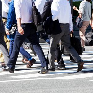 「人材派遣」関連に再評価機運、4月からの法改正も追い風に<注目テーマ>