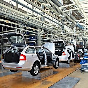 「自動車部材・部品」が4位、低PBR株の宝庫で業界再編思惑も<注目テーマ>